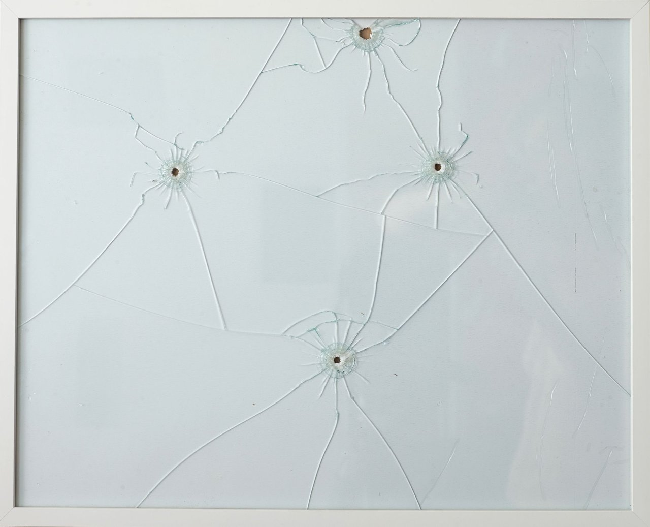 Almut Linde: Dirty Minimal #33.2.10-12 — Bullet Action Painting/Machine Gun